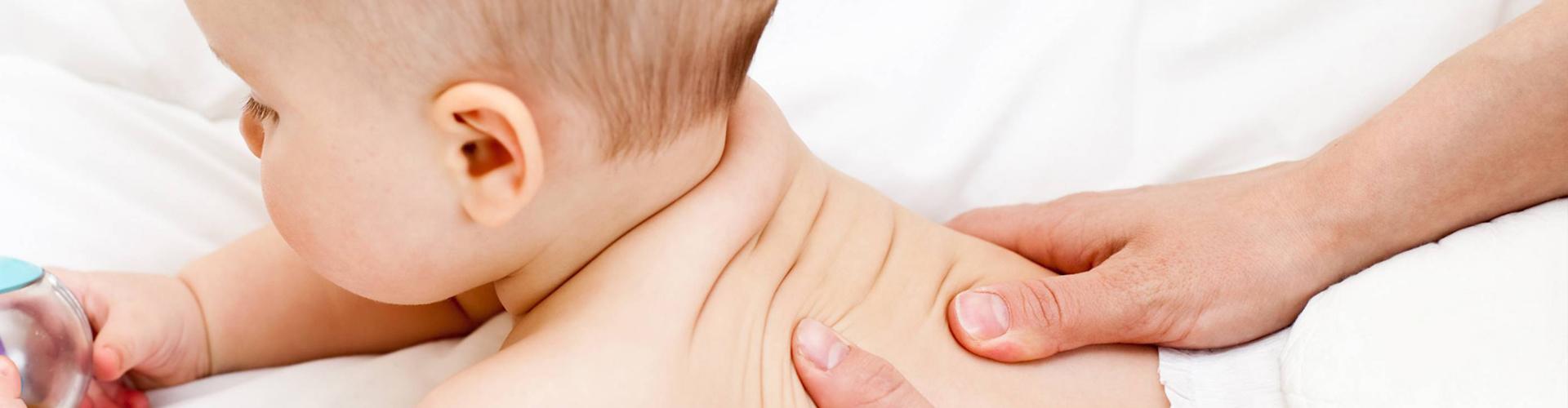 Banner-home_massaggio-neonatale-11
